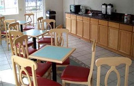Breakfast room Colony Inn