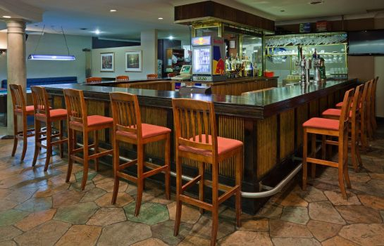Bar del hotel Holiday Inn & Suites ST. CATHARINES CONF CTR