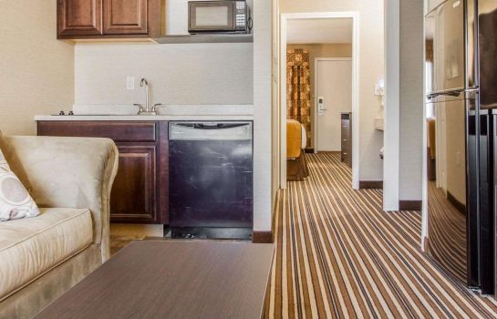 Suite Quality Inn and Suites South Portland