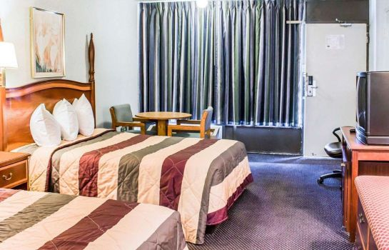 Doppelzimmer Komfort Econo Lodge and Suites