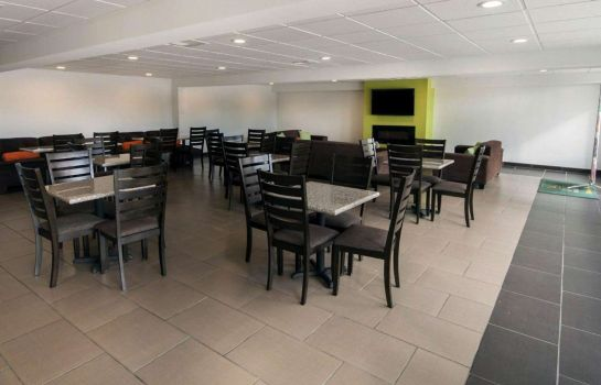 Restaurant Quality Inn and Suites Airport