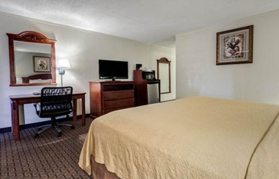 Zimmer Quality Inn & Suites Airport