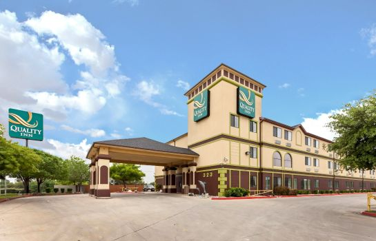 Exterior view Quality Inn near SeaWorld - Lackland