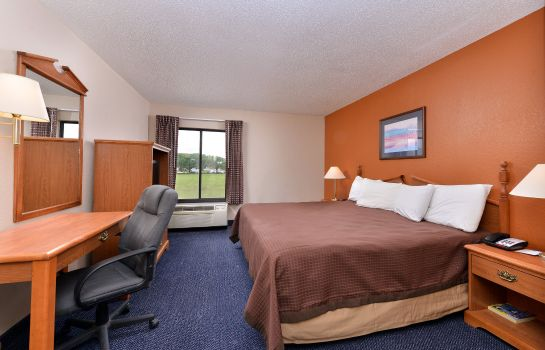 Suite Red Roof Inn & Suites Austin East - Manor