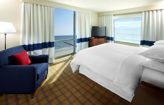 Suite Four Points by Sheraton Galveston