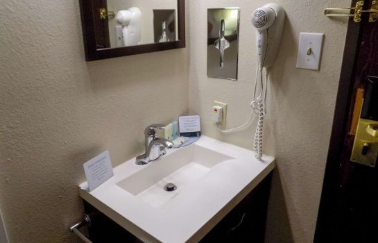 Habitación Quality Inn DFW - Airport