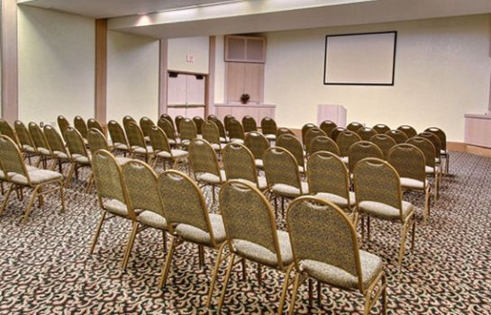 Congresruimte SureStay Plus Hotel by Best Western Kansas City Airport