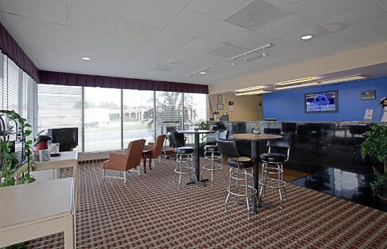 Hotelhalle Americas Best Value Inn Newnan