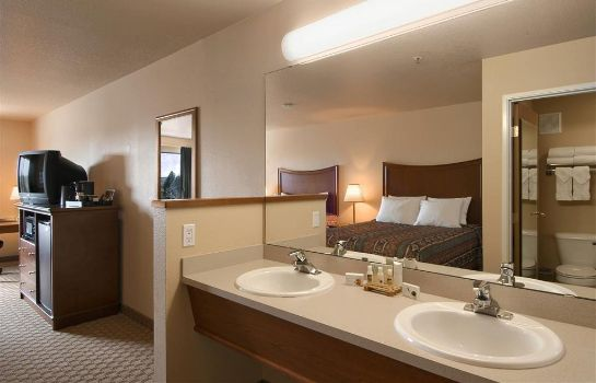 Zimmer Red Lion Inn and Suites McMinnville