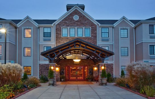 Exterior view Staybridge Suites GRAND RAPIDS - AIRPORT