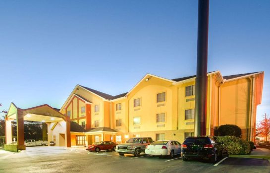 Widok zewnętrzny Comfort Inn and Suites North
