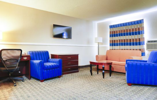 Suite SUPER 8 BY WYNDHAM CHARLOTTE U