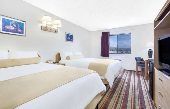 Room SUPER 8 LAKE HAVASU CITY AZ