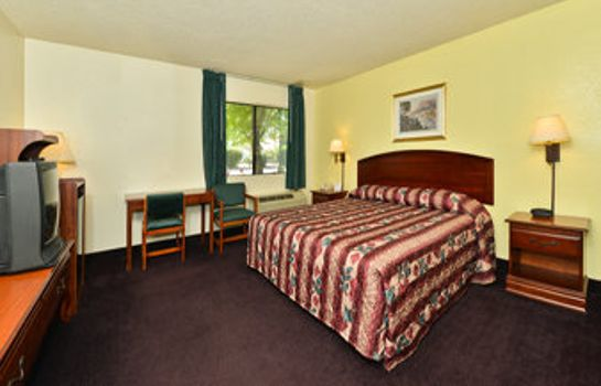 Zimmer Super 8 by Wyndham Bakersfield/Central