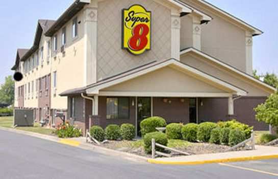 Exterior view Super 8 by Wyndham Charlotte/Amusement Park Area