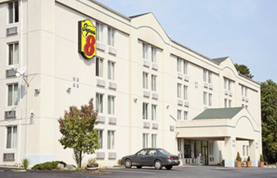 Exterior view Super 8 by Wyndham Danbury