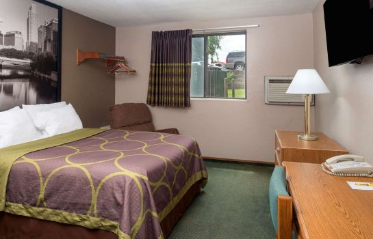 Room SUPER 8 OMAHA NE