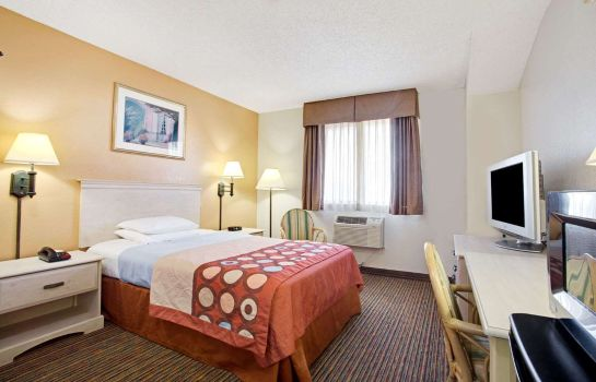 Zimmer Super 8 by Wyndham Clearwater/St. Petersburg Airport