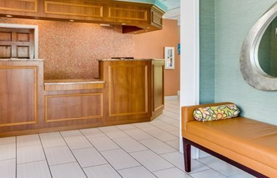 Hall Clarion Inn & Suites Virginia Beach