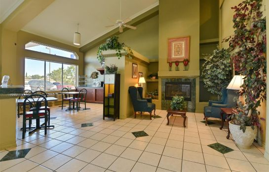 Hall Americas Best Value Inn - Medical Center/Airport