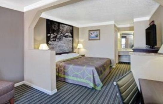 Suite SUPER 8 KNOXVILLE EAST