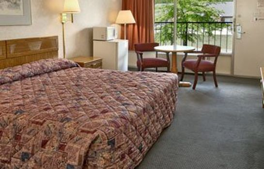 Pokój TOWN AND COUNTRY INN SUITES-SPINDALE
