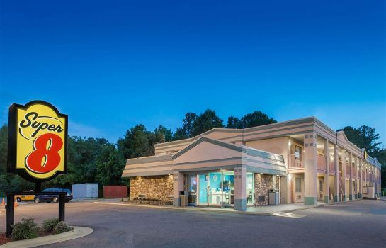 Exterior view Super 8 by Wyndham Durham/University Area NC