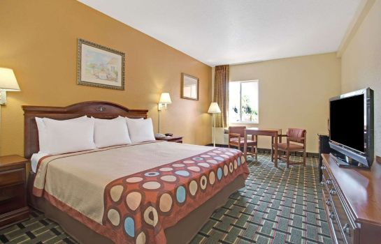 Room SUPER 8 DAYTONA BEACH