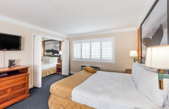 Suite Super 8 by Wyndham Monterey/Carmel