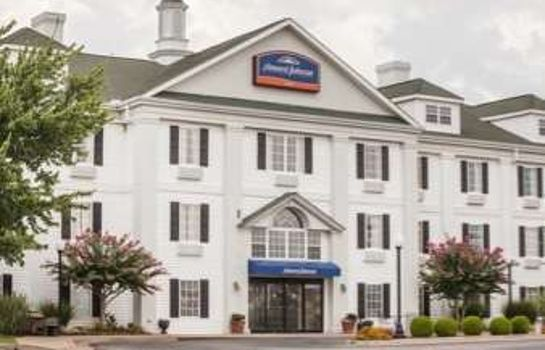 Buitenaanzicht Howard Johnson Inn Jackson
