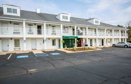 Exterior view Quality Inn Lagrange