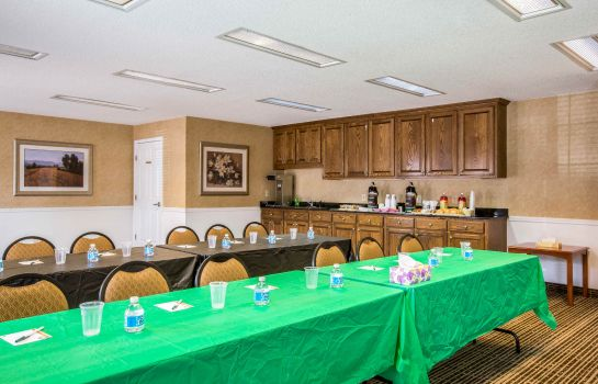 Conference room Quality Inn Lagrange