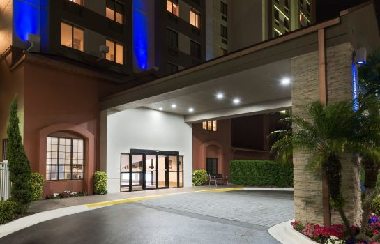 Vista exterior Holiday Inn Express & Suites NEAREST UNIVERSAL ORLANDO