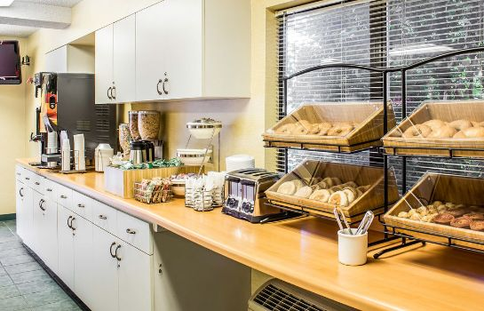 Sala colazione Quality Inn & Suites Raleigh North
