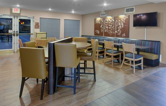 Restaurant TownePlace Suites Wichita East
