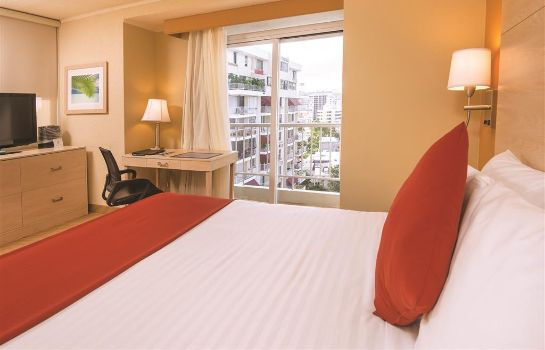 Zimmer Best Western Plus Condado Palm Inn & Suites