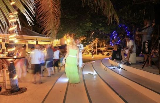 Bar hotelowy Nanny Cay Resort Marina