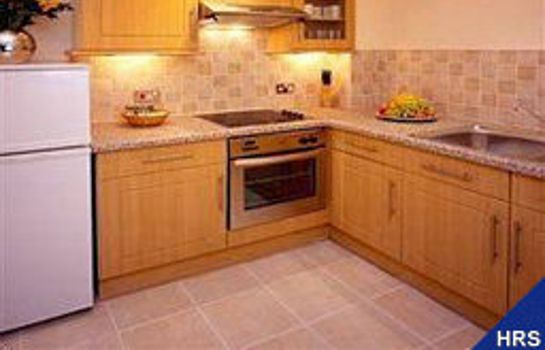 Cocina Collingham Serviced Apartments