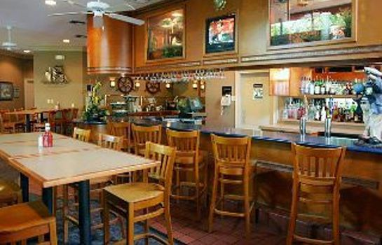 Hotel-Bar Mainsail Tampa Extended Stay