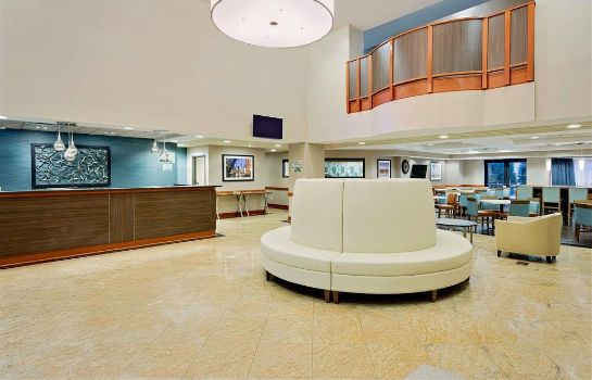 Lobby Wingate by Wyndham Arlington Heights Wingate by Wyndham Arlington Heights
