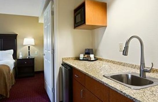 Suite Wingate by Wyndham Greensboro