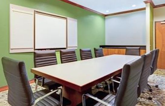 Conference room Wingate by Wyndham Houston / Willowbrook Wingate by Wyndham Houston / Willowbrook