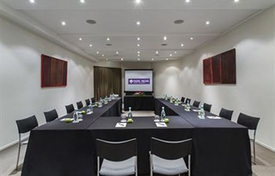Meeting room Fable Dunedin ex-Wains