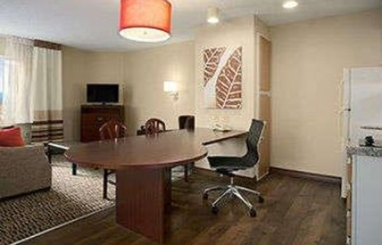 Zimmer Hawthorn Suites by Wyndham Omaha/Old Mill