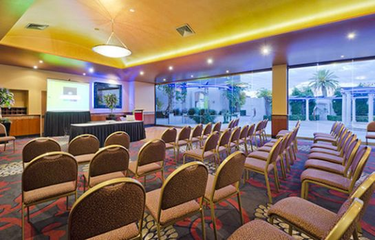 Conference room Quality Hotel Taylors Lakes
