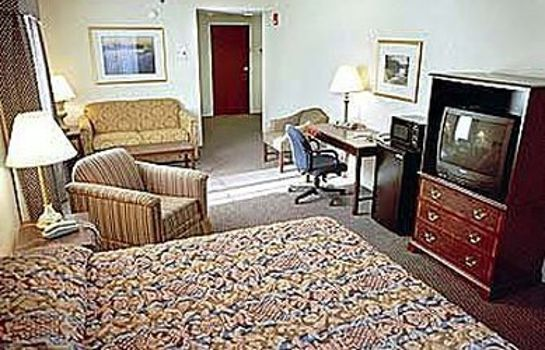 Zimmer NATHAN HALE INN AND CONF CTR