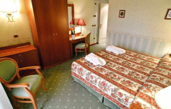 Chambre double (standard) PHI Hotel Hortensis