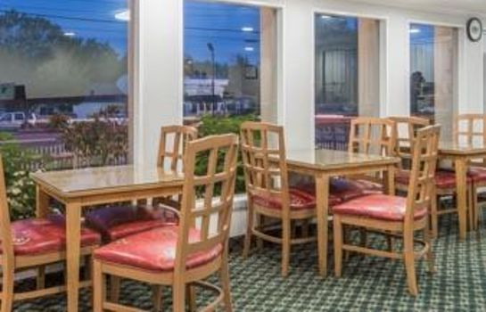 Restaurant Super 8 by Wyndham W Yarmouth Hyannis/Cape Cod