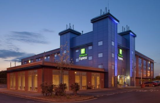 Exterior view Holiday Inn Express OXFORD - KASSAM STADIUM