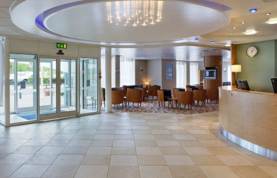 Lobby Holiday Inn Express OXFORD - KASSAM STADIUM
